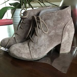 Lace-up Ankle Booties 8M